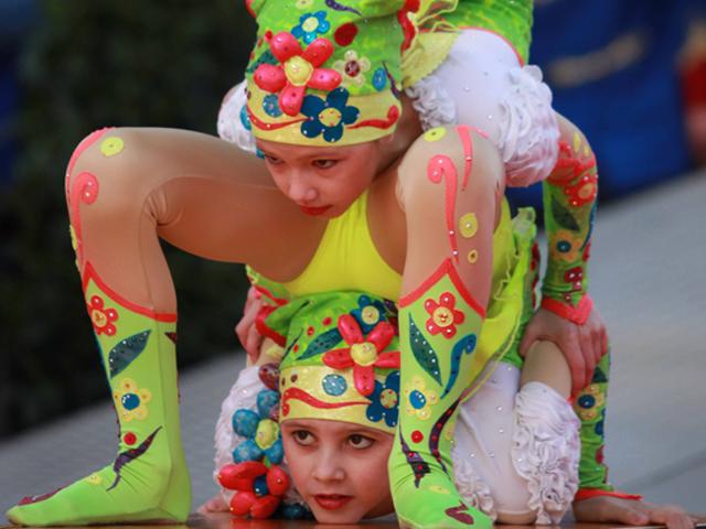 cirque-de-monaco-artiste-flexible
