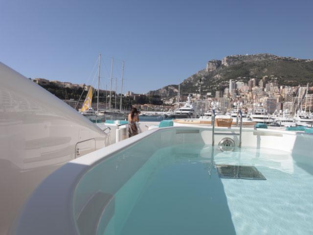 monaco_yacht_show_lisa_bas